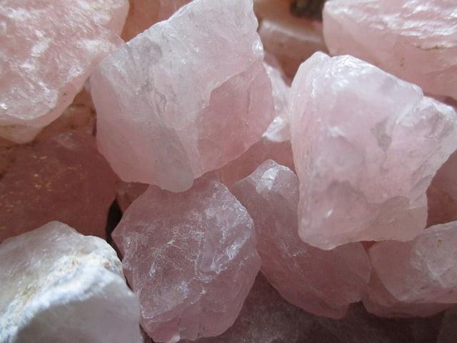cristales de cuarzo rosa