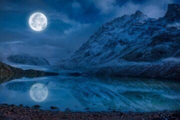 agua de luna llena horizonte